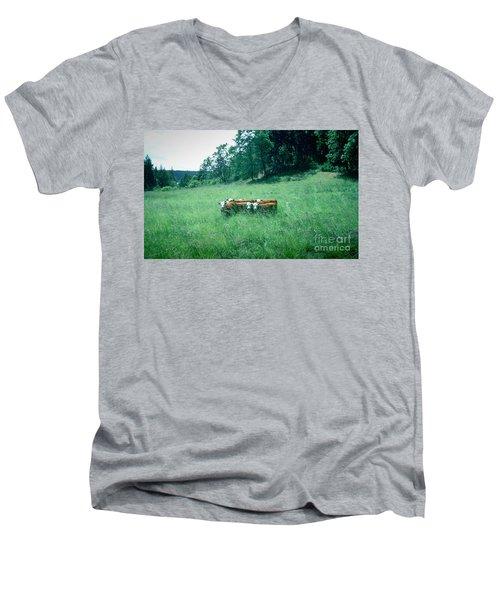 Men's V-Neck T-Shirt featuring the photograph Looking Back by Peter Simmons
