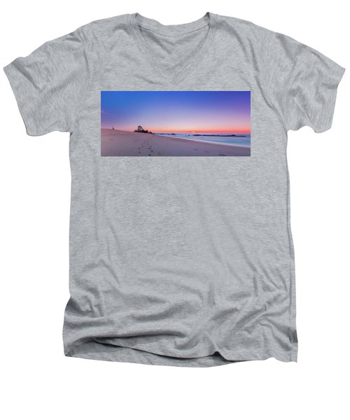 Looking Into The Distance Men's V-Neck T-Shirt