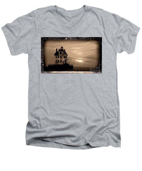 Lorain Lighthouse - Lake Erie - Lorain Ohio Men's V-Neck T-Shirt