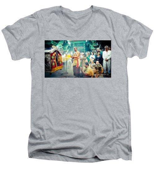 Lord Shiva Meenakshi Temple Madurai India Men's V-Neck T-Shirt