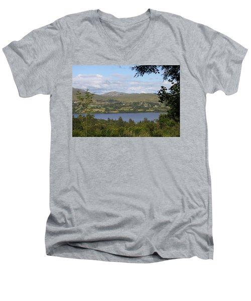 Lough Eske 4241 Men's V-Neck T-Shirt