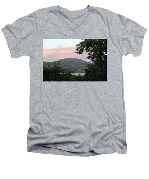 Lough Eske 4258 Men's V-Neck T-Shirt