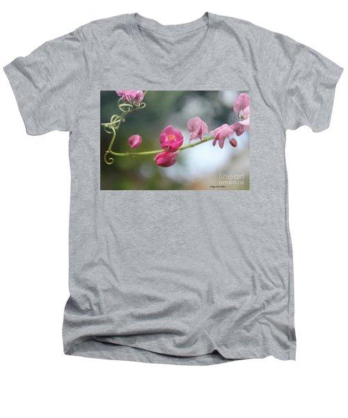 Love Chain2 Men's V-Neck T-Shirt