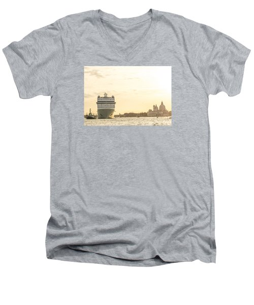 Loving Venice To Death Men's V-Neck T-Shirt
