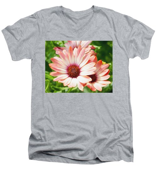 Macro Pink Cinnamon Tradewind Flower In The Garden Men's V-Neck T-Shirt
