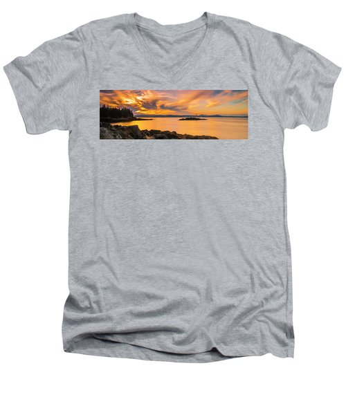 Maine Rocky Coastal Sunset In Penobscot Bay Panorama Men's V-Neck T-Shirt