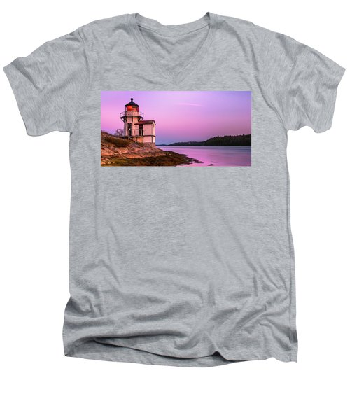 Maine Squirrel Point Lighthouse On Kennebec River Sunset Panorama Men's V-Neck T-Shirt
