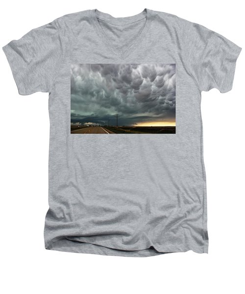Men's V-Neck T-Shirt featuring the photograph Mammatus Over Montata by Ryan Crouse
