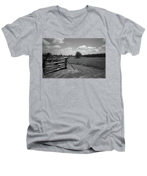 Men's V-Neck T-Shirt featuring the photograph Manassas Battlefield Bw by Frank Romeo