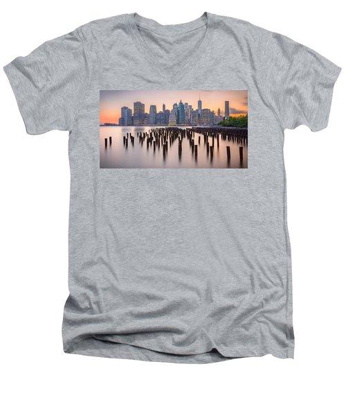 Manhattan Dusk Men's V-Neck T-Shirt