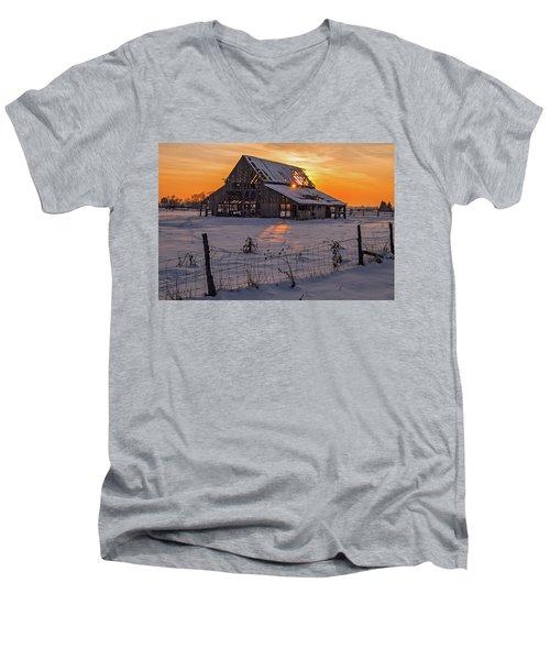 Mapleton Barn Men's V-Neck T-Shirt