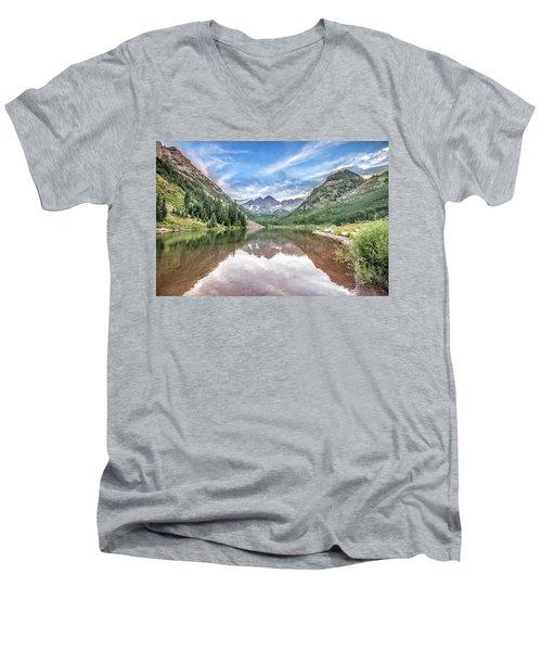 Maroon Bells Near Aspen, Colorado Men's V-Neck T-Shirt