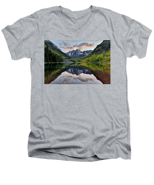 Maroon Bells Sunset Men's V-Neck T-Shirt