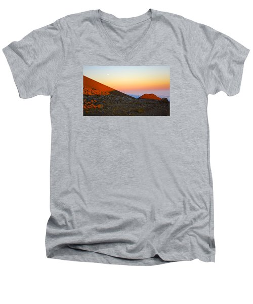 Mauna Kea Sunset With Full Moon Volcanoes National Park Hawaii Men's V-Neck T-Shirt