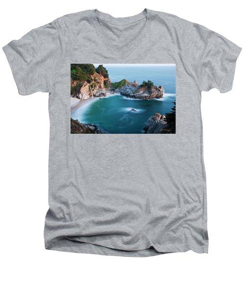 Mcway Bay Men's V-Neck T-Shirt