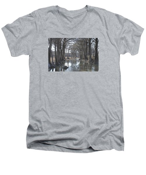 Medina River In Winter Men's V-Neck T-Shirt