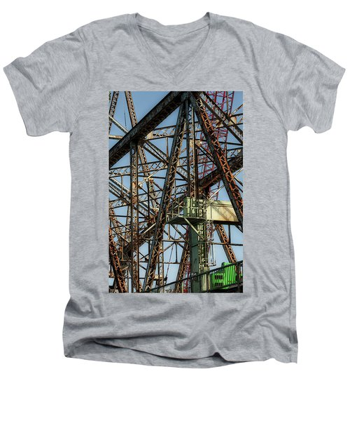 Memorial Bridge Men's V-Neck T-Shirt