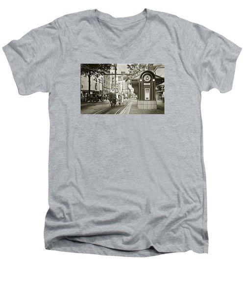 Memphis Carriage Men's V-Neck T-Shirt by Liz Leyden