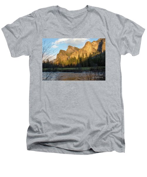 Merced River Yosemite Color Men's V-Neck T-Shirt