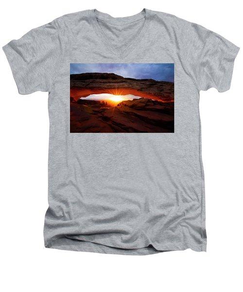 Mesa Arch Sunrise Men's V-Neck T-Shirt