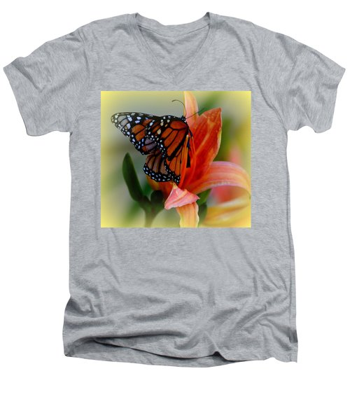 Mingle With A Monarch Men's V-Neck T-Shirt