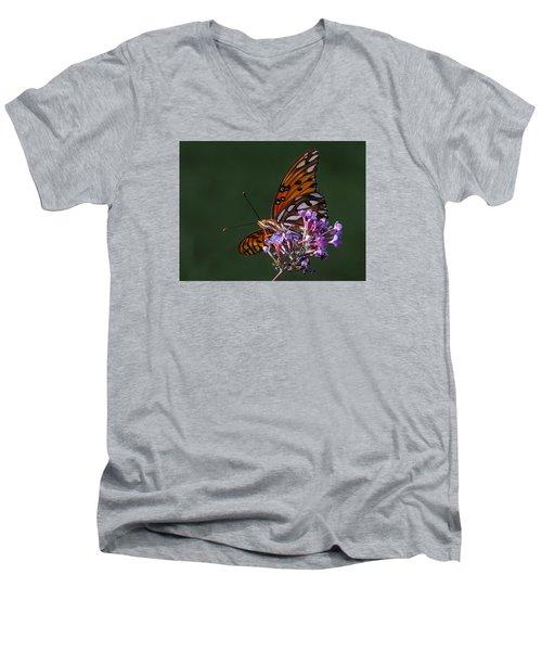 Monarch Butterfly On A Butterfly Bush Men's V-Neck T-Shirt