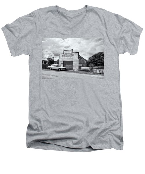 Men's V-Neck T-Shirt featuring the photograph Monegeetta Produce Store by Linda Lees