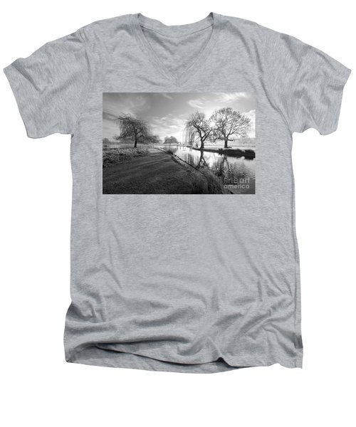Mono Bushy Park Uk Men's V-Neck T-Shirt