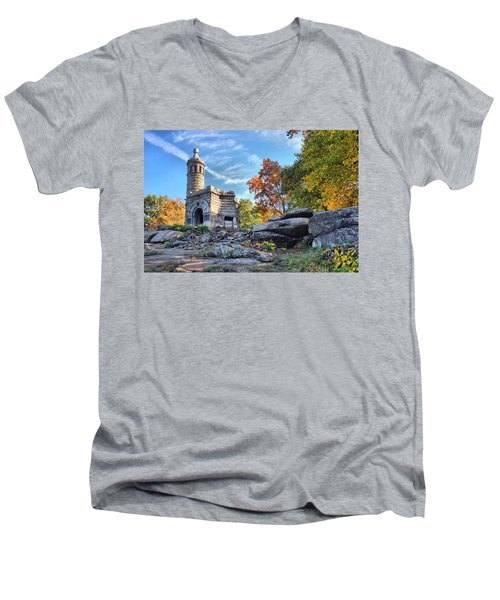 Monument To The 44th Men's V-Neck T-Shirt