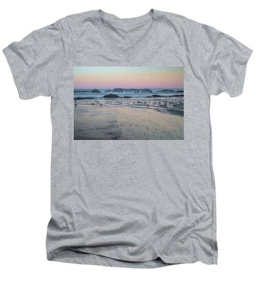 Moonset At Seal Rock Men's V-Neck T-Shirt