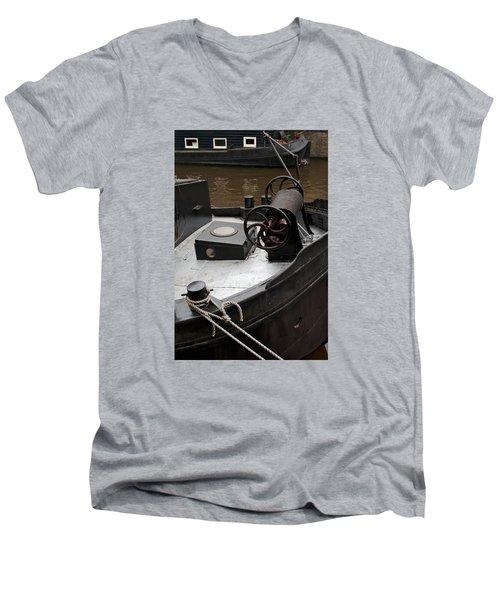 Mooring Men's V-Neck T-Shirt
