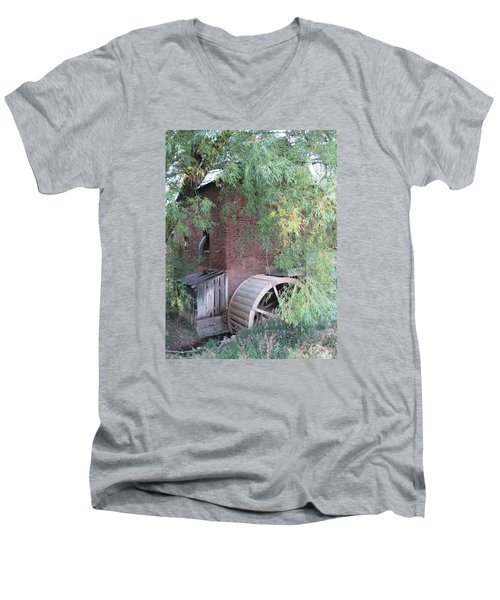 Mora Mill Men's V-Neck T-Shirt