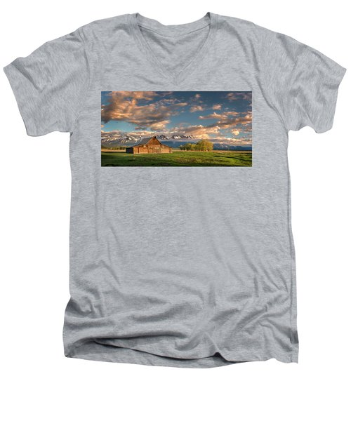 Mormon Row At Sunrise Men's V-Neck T-Shirt