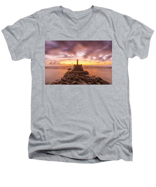 Morning Scene In Nusa Penida Beach Men's V-Neck T-Shirt