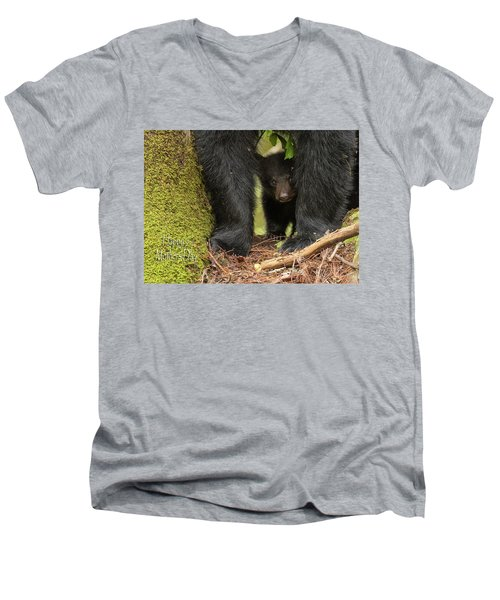 Mothers Day Bear Card Men's V-Neck T-Shirt