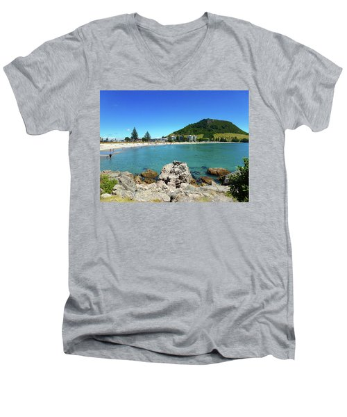 Mount Maunganui Beach 8 - Tauranga New Zealand Men's V-Neck T-Shirt
