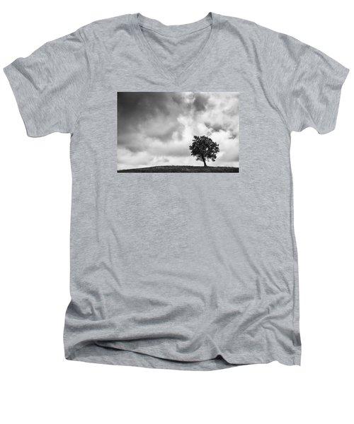 Tree On Hill - Doughton Park Blue Ridge Parkway Men's V-Neck T-Shirt