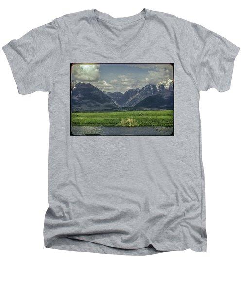 Mountain View Montana.... Men's V-Neck T-Shirt