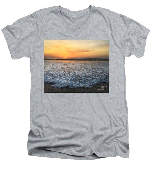 Moving In Men's V-Neck T-Shirt
