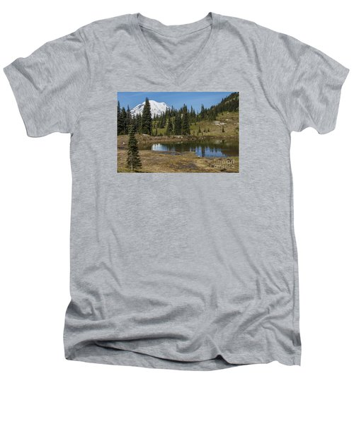 Mt Rainier Reflection Landscape Men's V-Neck T-Shirt