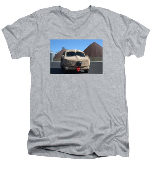 Mutt Cutts Dumb And Dummer Replica Vehicle Men's V-Neck T-Shirt