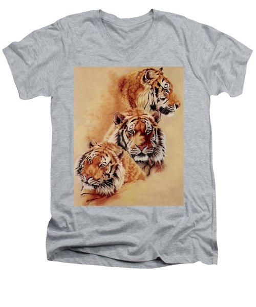Nanook Men's V-Neck T-Shirt