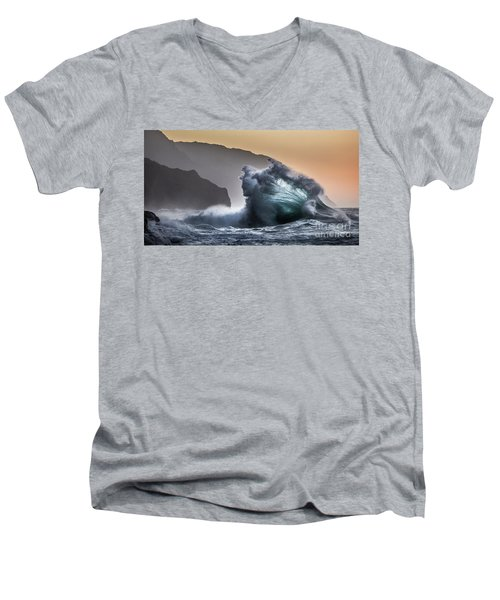 Napali Coast Hawaii Wave Explosion IIi Men's V-Neck T-Shirt