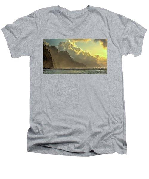 Napali Coast Kauai Hawaii Dramatic Sunset Men's V-Neck T-Shirt