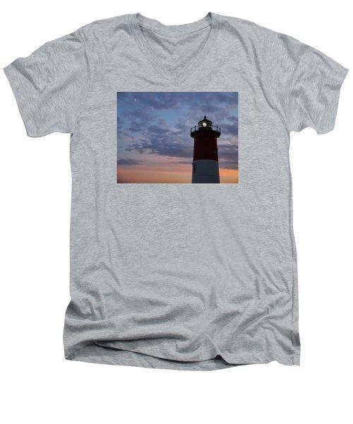 Nauset Light Lighthouse At Sunset Men's V-Neck T-Shirt