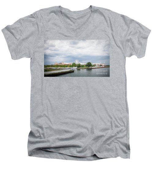 Navy Pier In Chicago Men's V-Neck T-Shirt