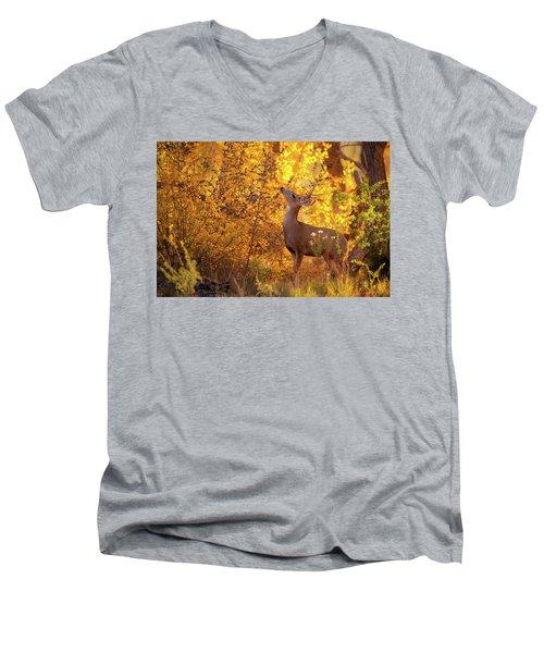 New Mexico Buck Browsing Men's V-Neck T-Shirt