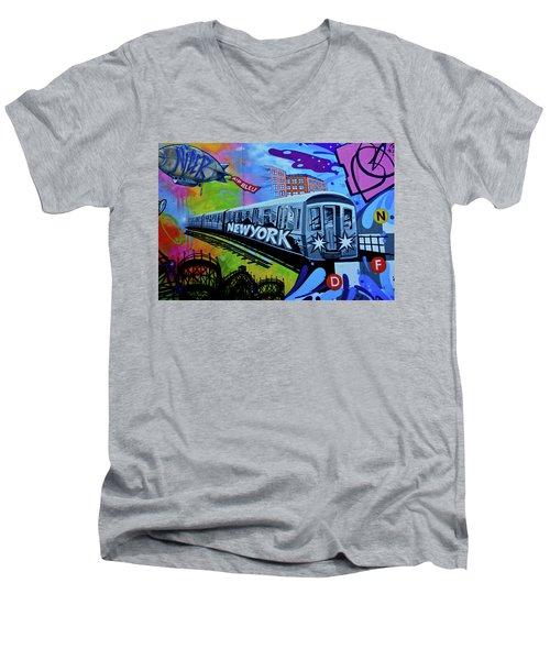 New York Train Men's V-Neck T-Shirt