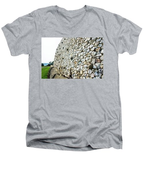 Newgrange Men's V-Neck T-Shirt