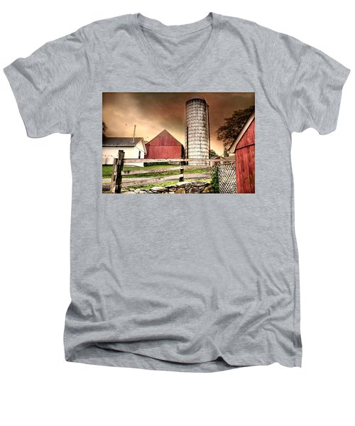 The Newtown Silo Men's V-Neck T-Shirt